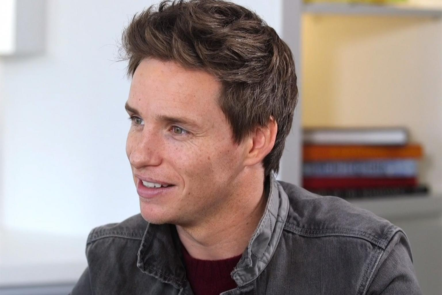 Fantastic Beasts Star Eddie Redmayne Reveals When He Feels Sexiest
