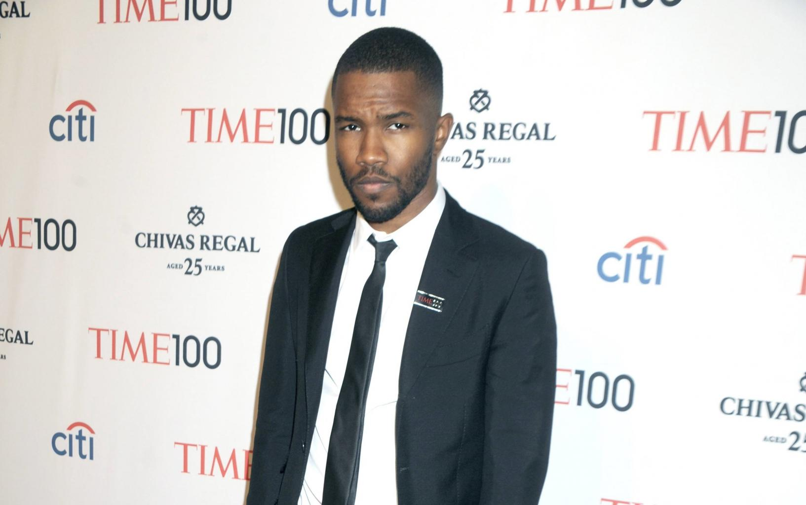 Frank Ocean Throws Sea Of Shade At Grammys