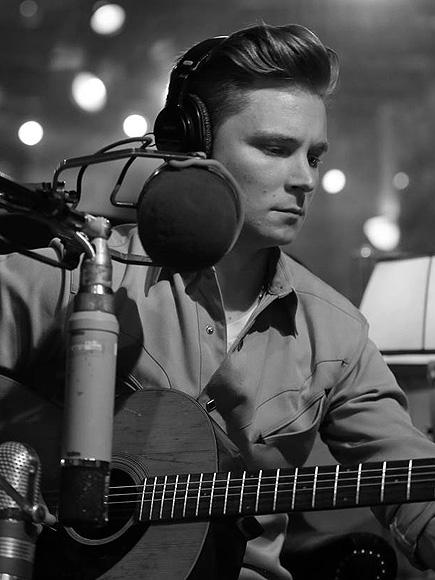 Frankie Ballard's New Album Can't Get More Country Than This: 'It's That Retreat Mentality'