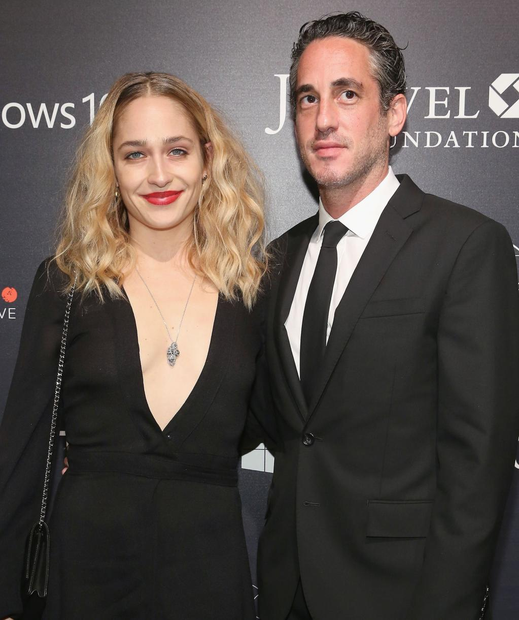 Girls      '  Jemima Kirke and Husband Michael Mosberg Split After 7 Years of Marriage