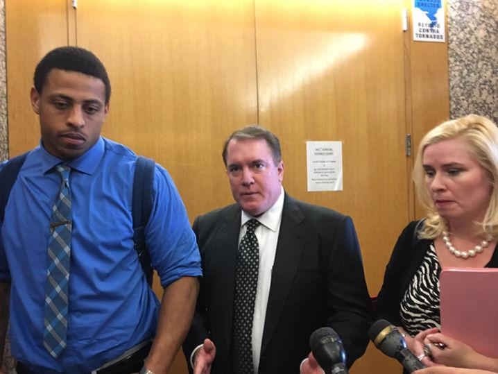 Greg Hardy -- Rolls Up His Sleeves for Cocaine Hearing (Photo)