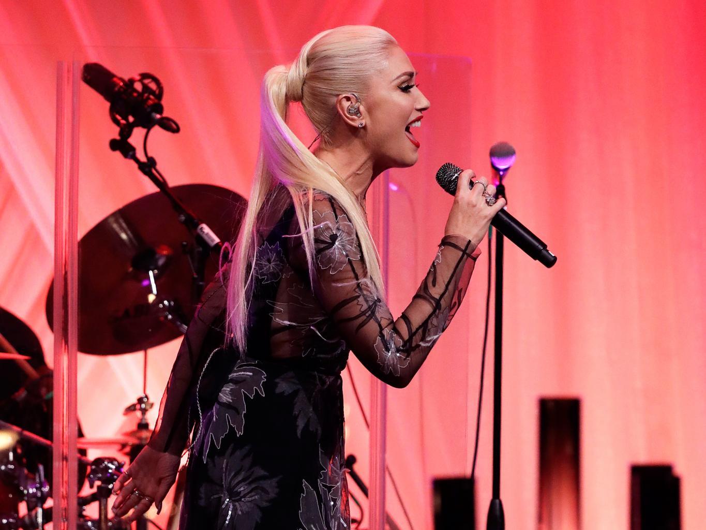 Gwen Stefani Performs Duet with Blake Shelton at Obama       's State Dinner
