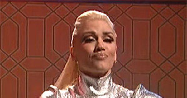 Gwen Stefani Performs on SNL and Blake Shelton Makes a Plea