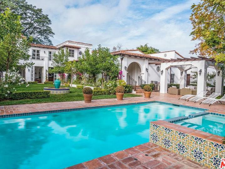 Holly Madison Unloads Hancock Park Palace After Bidding War (Photo Gallery)