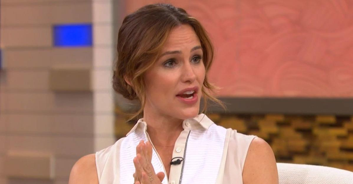 Jennifer Garner Gets Serious About the Sad Effect the Papara