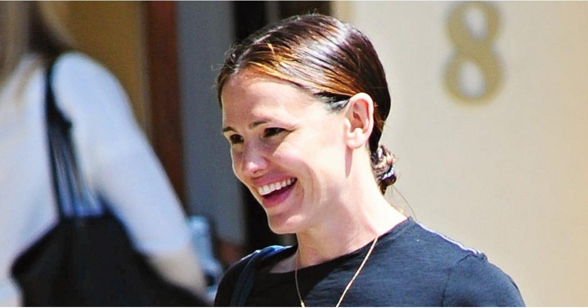 Jennifer Garner Is All Smiles During a Sunny Day Out With Her Daughters