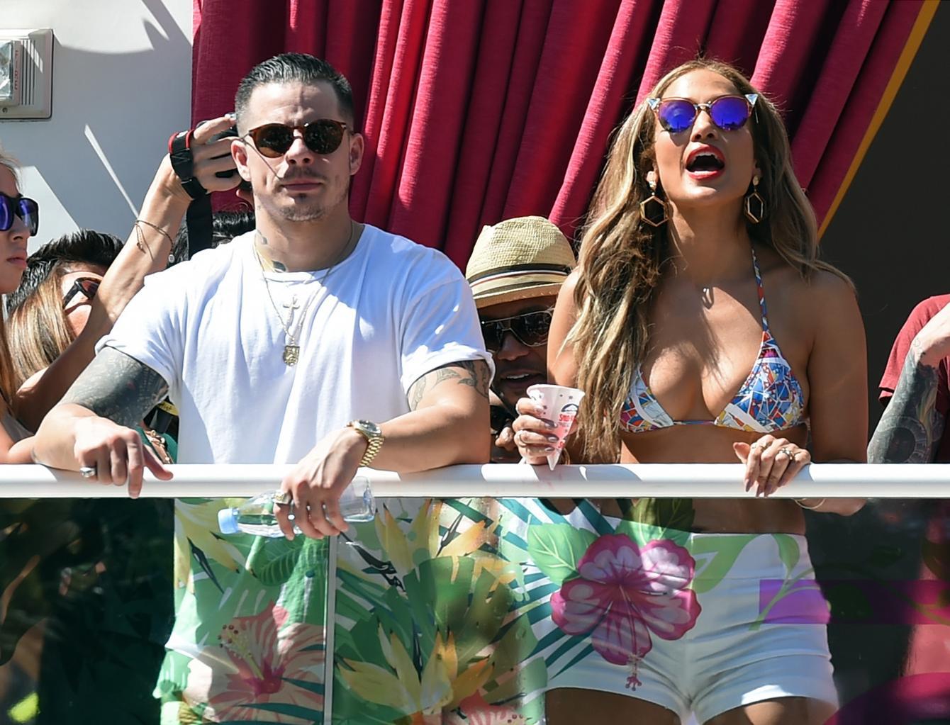 Jennifer Lopez Reportedly Splits From Her Longtime Boyfriend Casper Smart