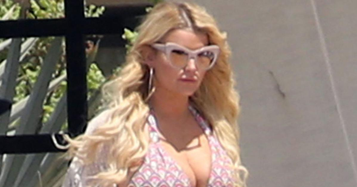 Jessica Simpson Puts Her Dangerous Curves on Display During