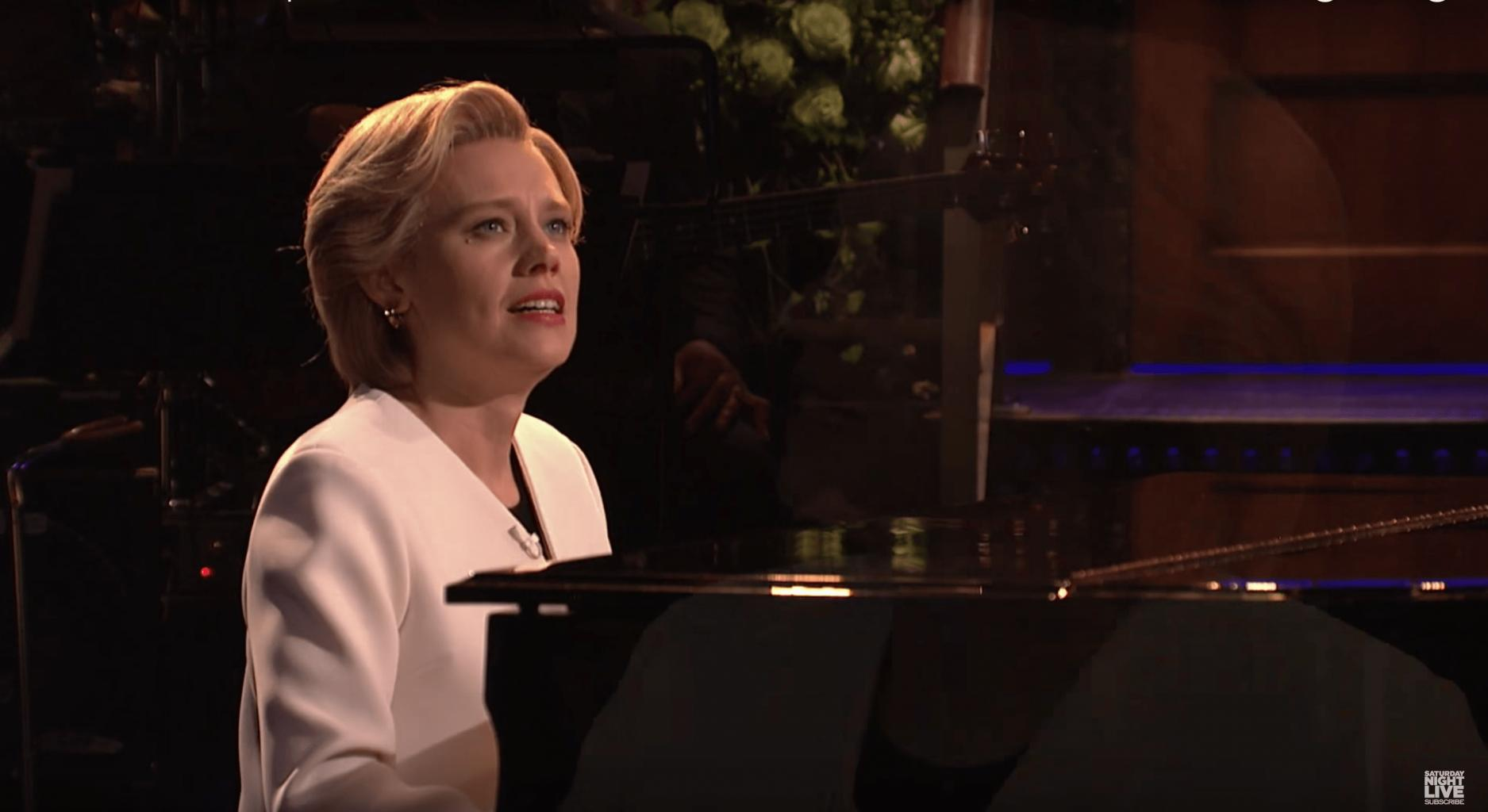 Kate McKinnon Tears Up While Paying Tribute to Hillary Clinton in Moving SNL Cold Open
