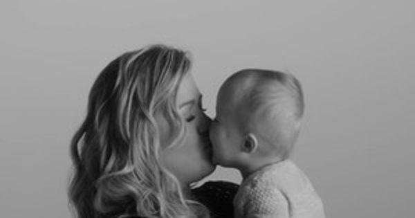 Kelly Clarkson and Husband Brandon Blackstock Share First Photos of Their Baby Boy