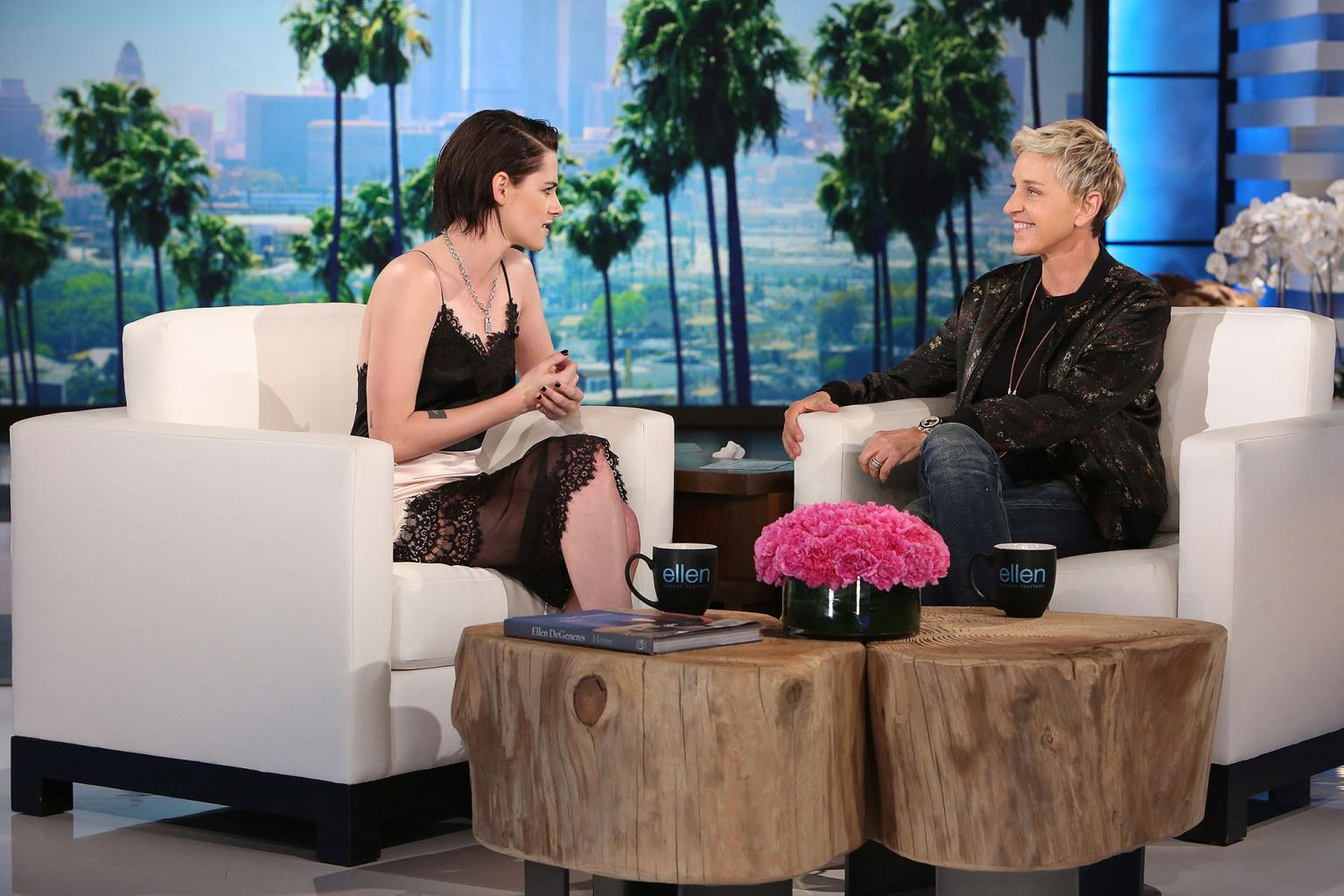 Kristen Stewart Recalls Her        Uncomfortable      '  Twilight Days