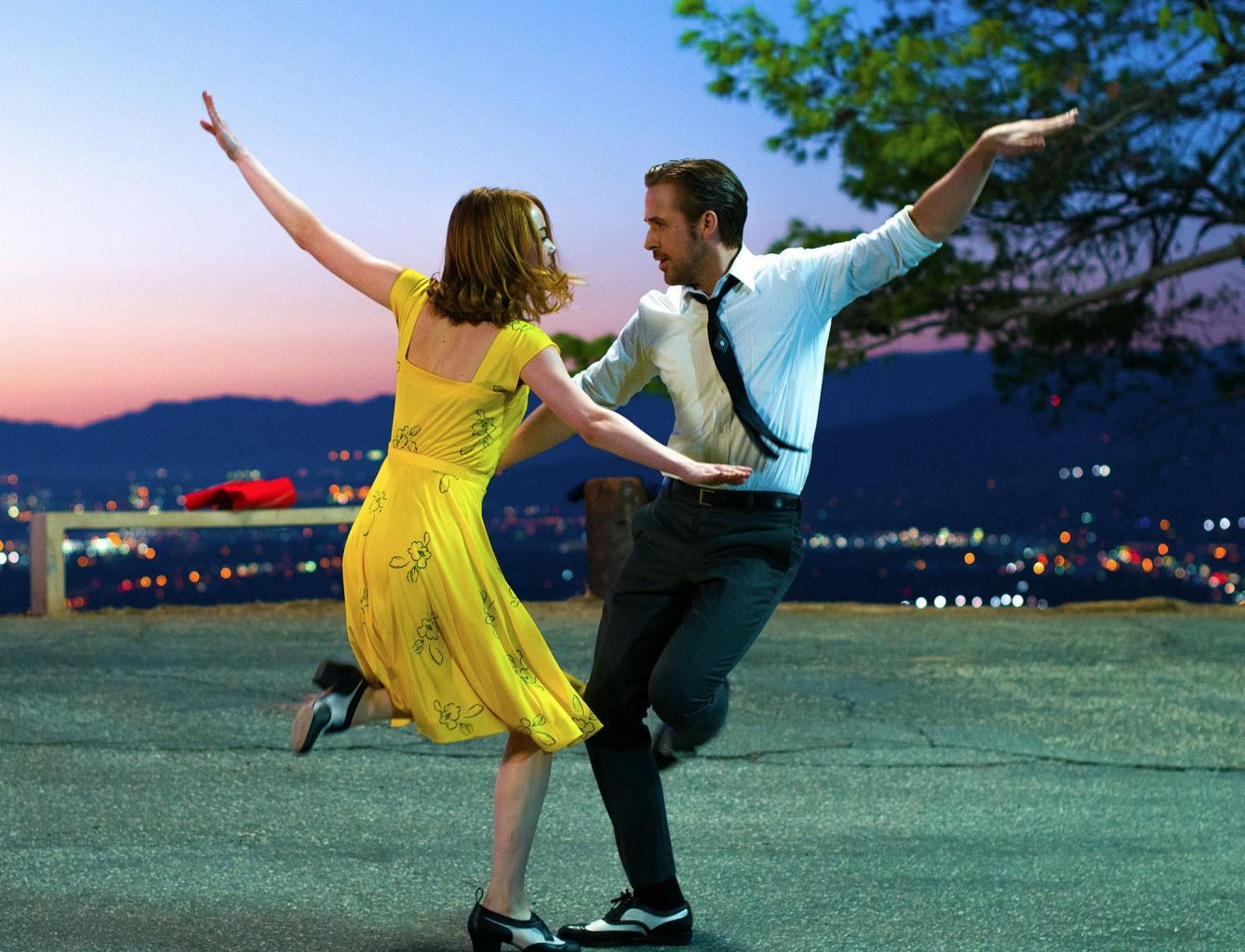La La Land Director Dishes on Emma Stone and Ryan Gosling       's        Organic      '  and        Phenomenal      '  Onscreen Chemistry