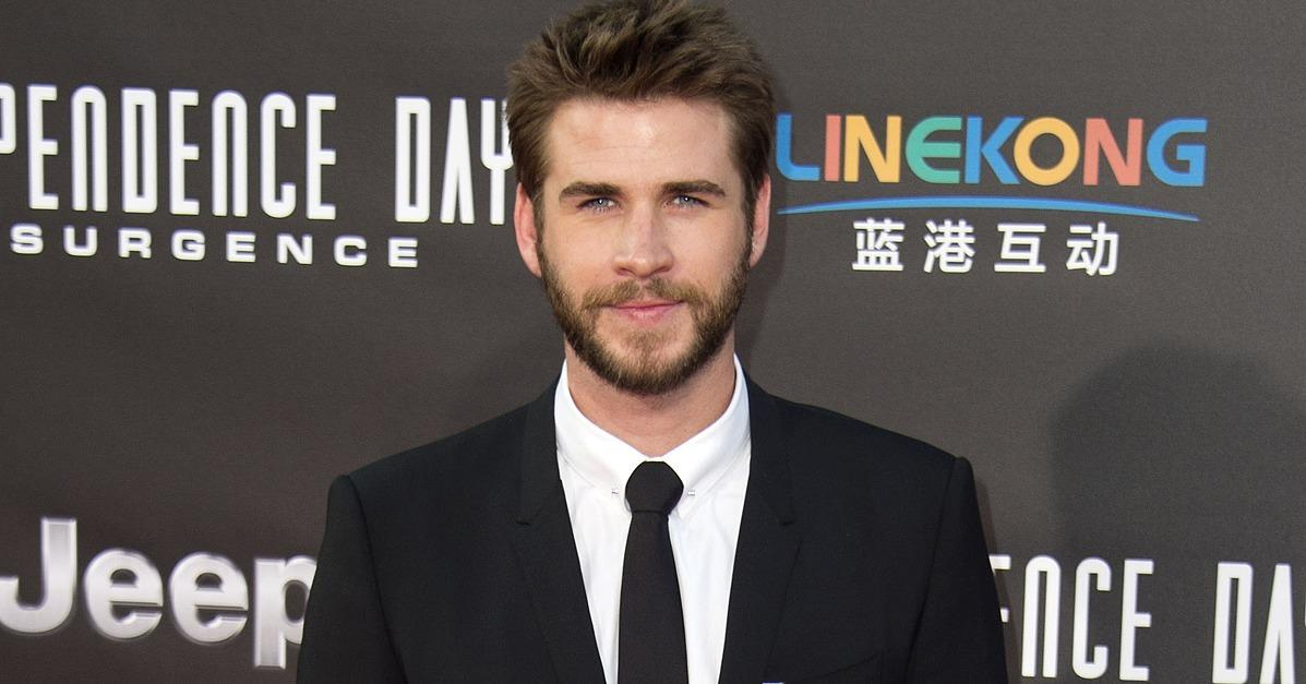 Liam Hemsworth Makes a Strikingly Sexy Appearance on the Red Carpet