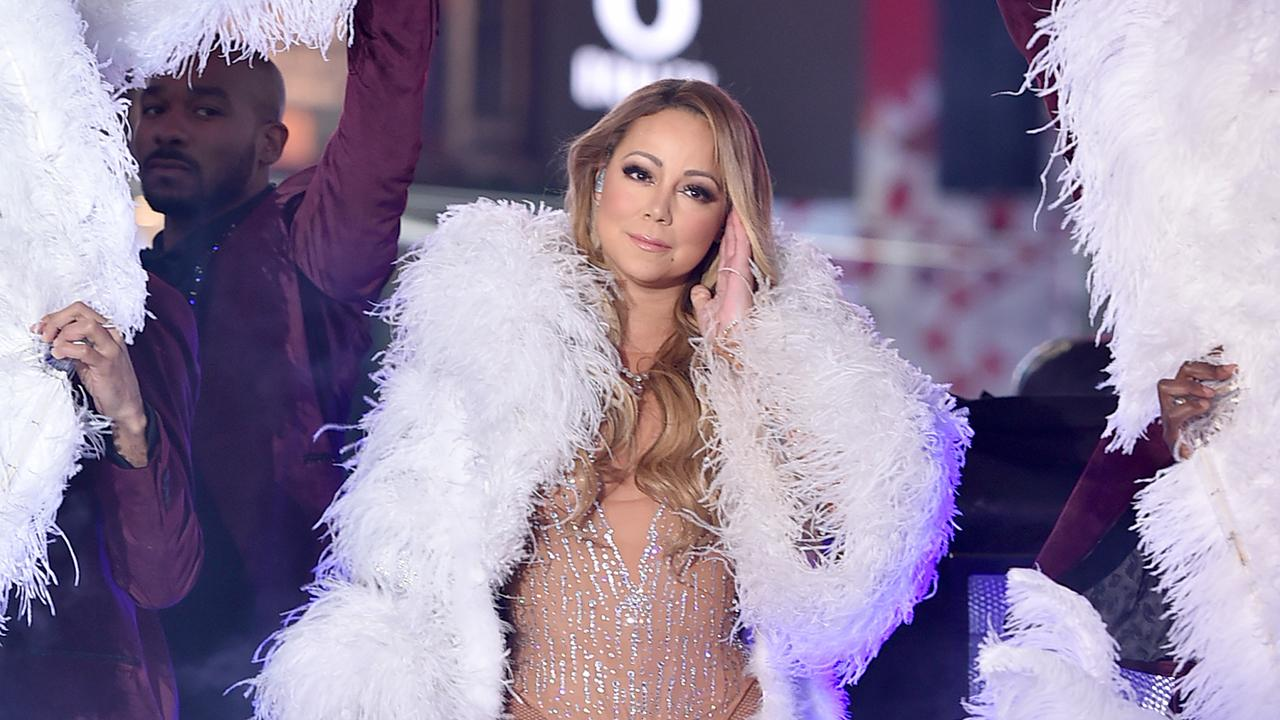 Mariah Carey Plagued by Technical Difficulties During Live New Year's Eve Performance