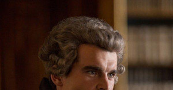 Outlander's Stanley Weber Explains What Went Into the Comte St. Germain's Big Scene