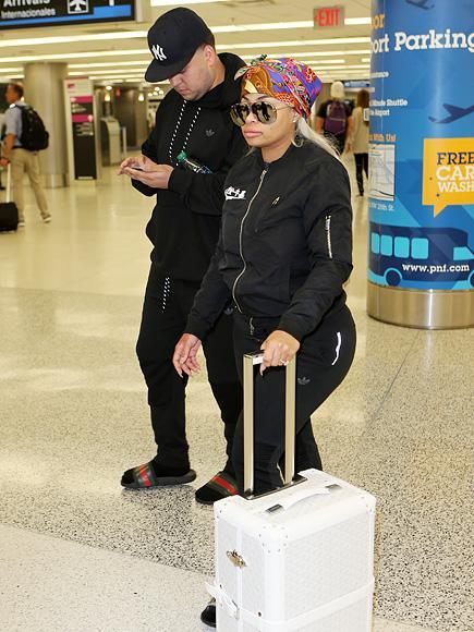 Pregnant Blac Chyna and Rob Kardashian Arrive in Miami Ahead of Her Birthday Club Appearance