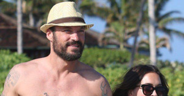 Pregnant Megan Fox and Brian Austin Green Enjoy a Beachy Babymoon in Hawaii