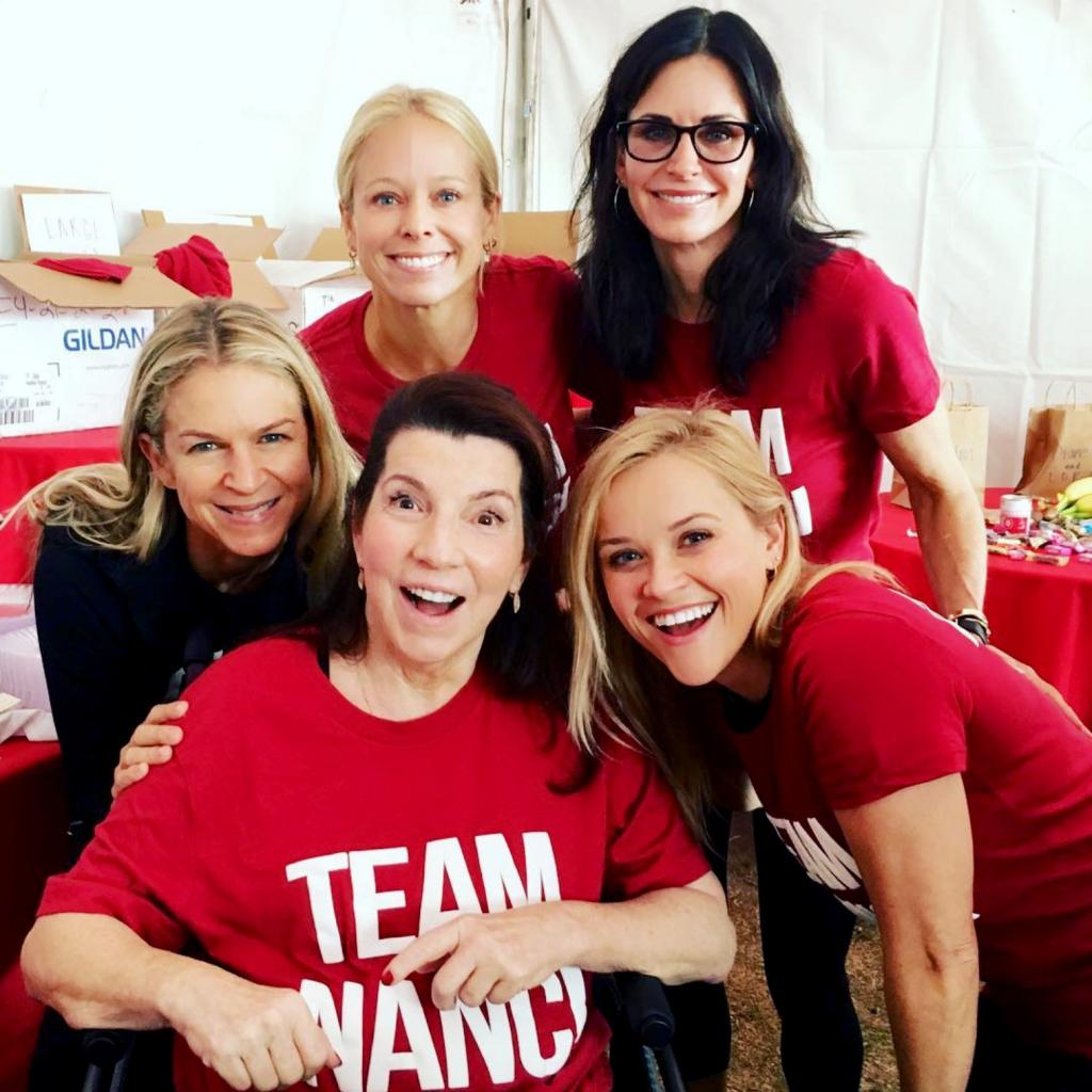 Renée Zellweger, Jennifer Garner, Reese Witherspoon and Courteney Cox Support Team Nanci in Als Walk