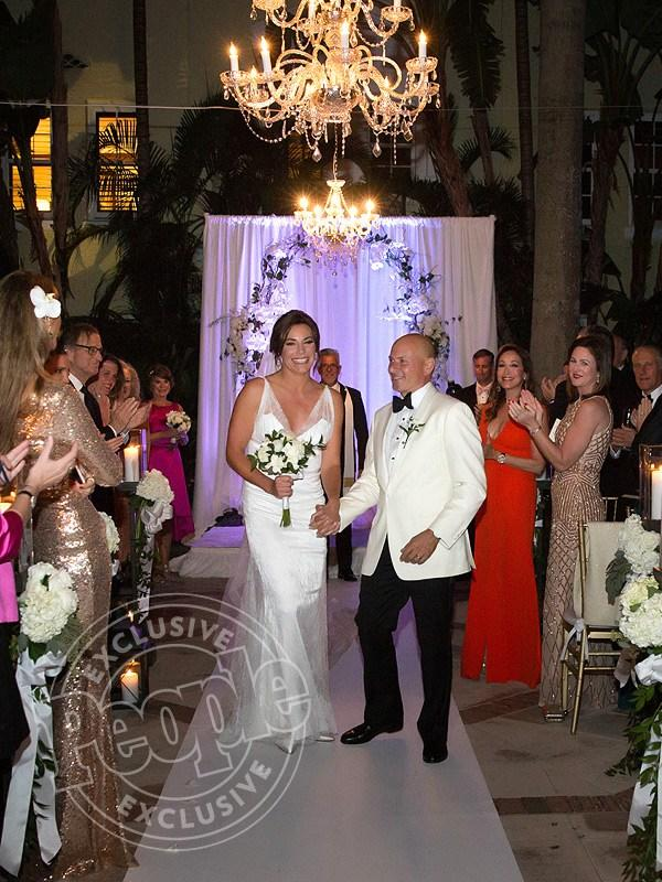 Rhony  's Luann de Lesseps Marries Tom D   Agostino Jr.  '  See the Stunning Photo!