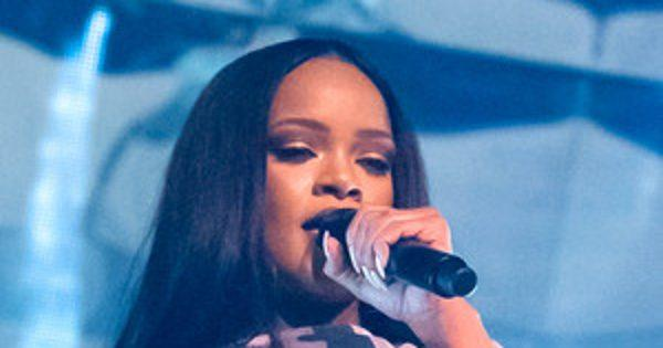 Rihanna Doesn't Want Fans Playing Pok  mon Go During Her Concert: Perhaps These 10 Celebs Should Stay Away