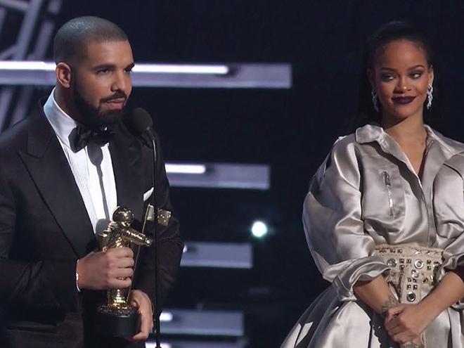 Rihanna Thanks Drake for His VMAs Speech: 'I Love You For That'