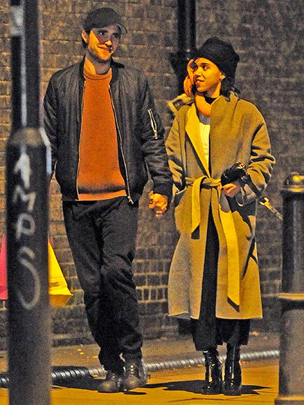 Robert Pattinson and FKA twigs Hold Hands During Romantic St
