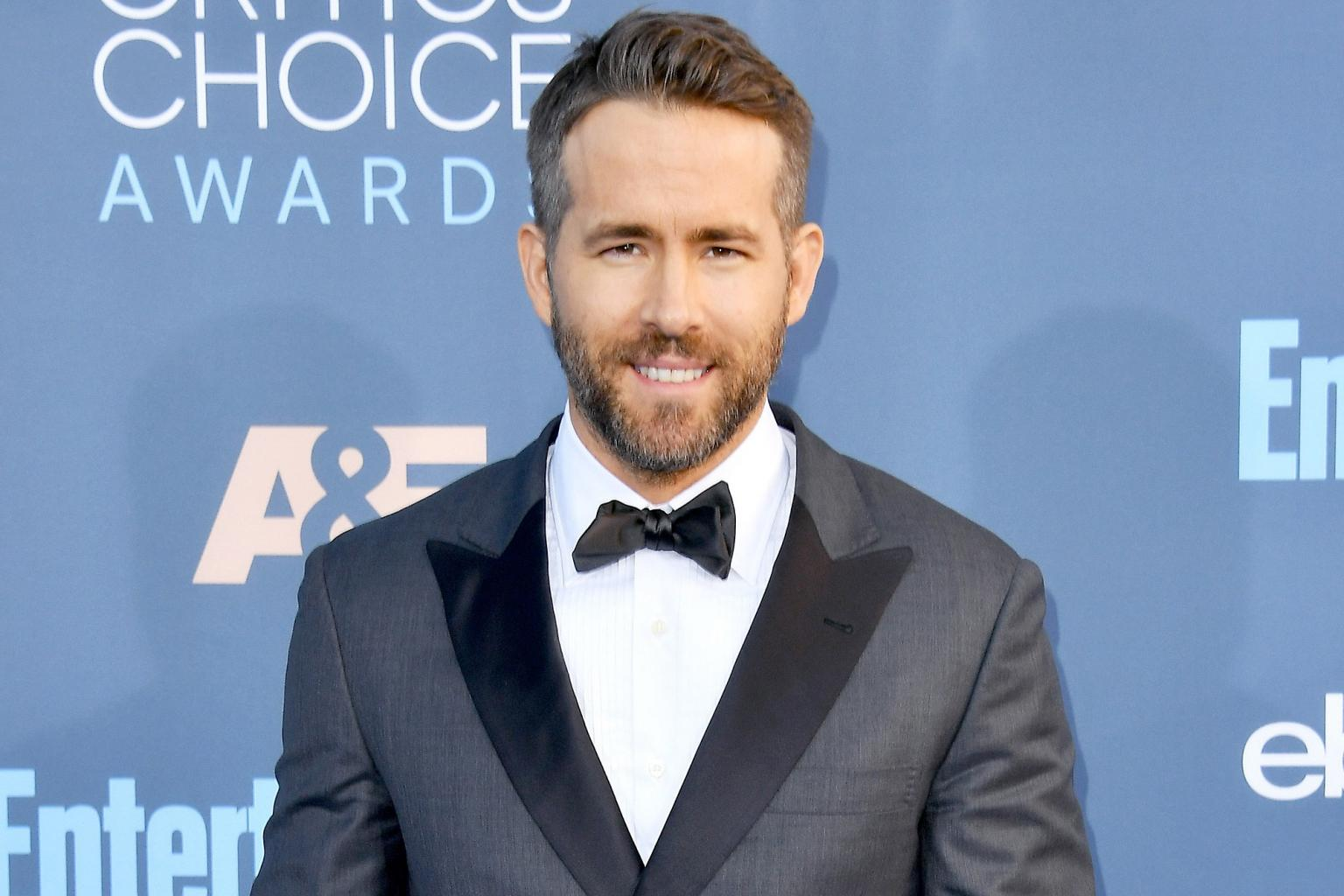 Ryan Reynolds Fanboys Over Tom Hanks — and Reveals the Oscar Winner Inspired Daughter James' First Words!
