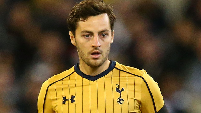 Hull in talks with Tottenham over a deal for Ryan Mason