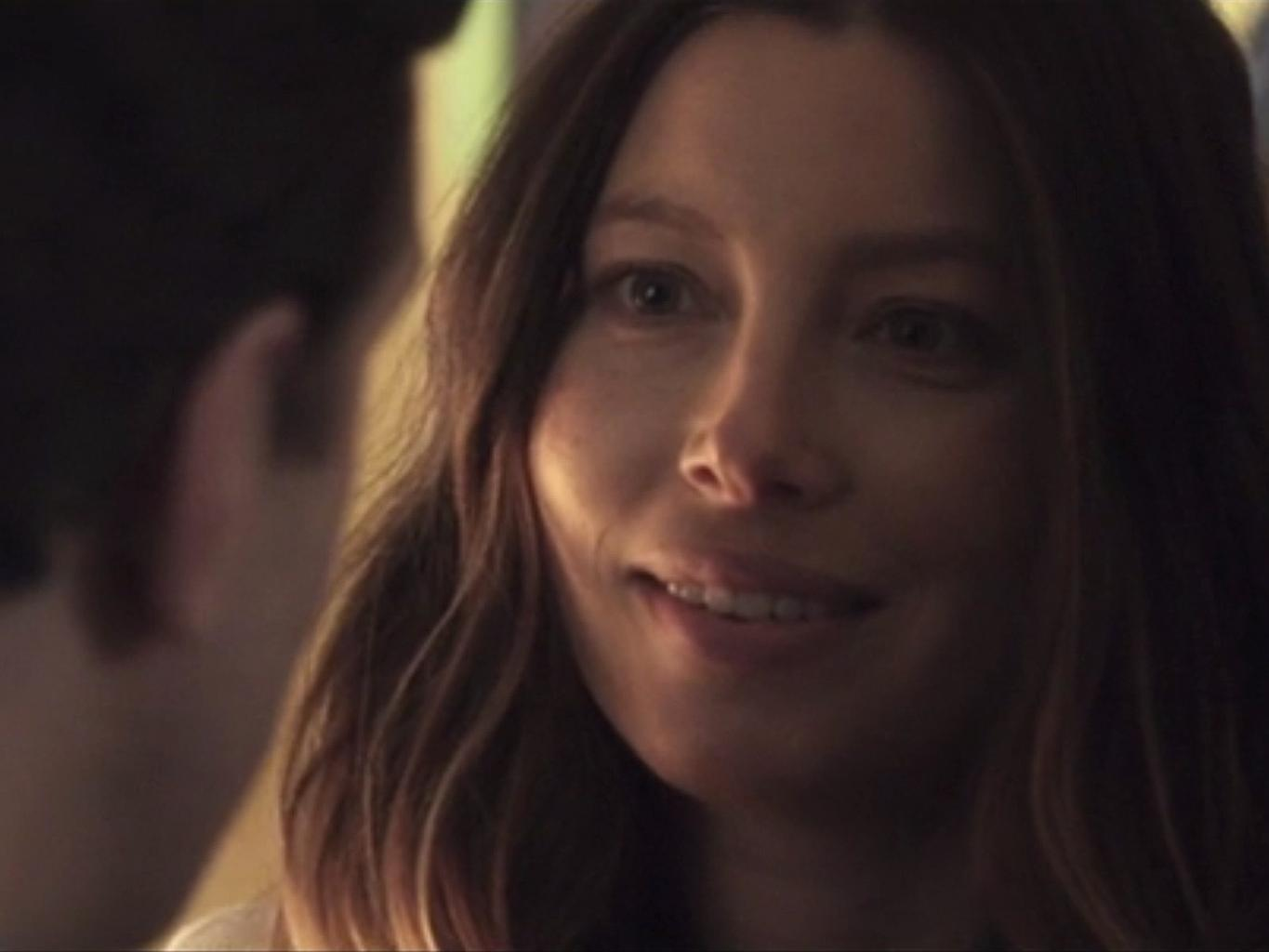 See Pregnant Jessica Biel and Jason Sudeikis in New Movie The Book Of Love