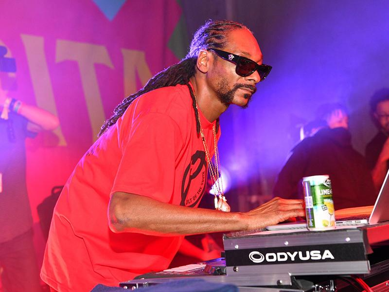 Snoop Dogg Says Prince Taught Him How to Seduce Women: 'He Would Make Love to Their Mind'