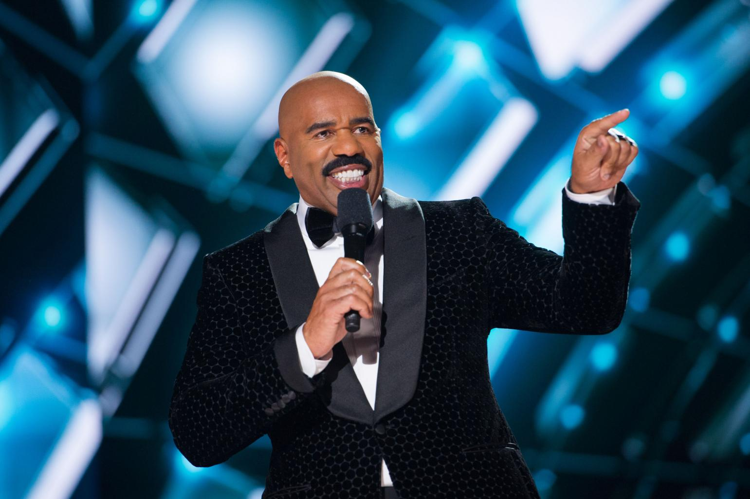 Steve Harvey Under Fire After Making Racist        Jokes      '  About Asian Men