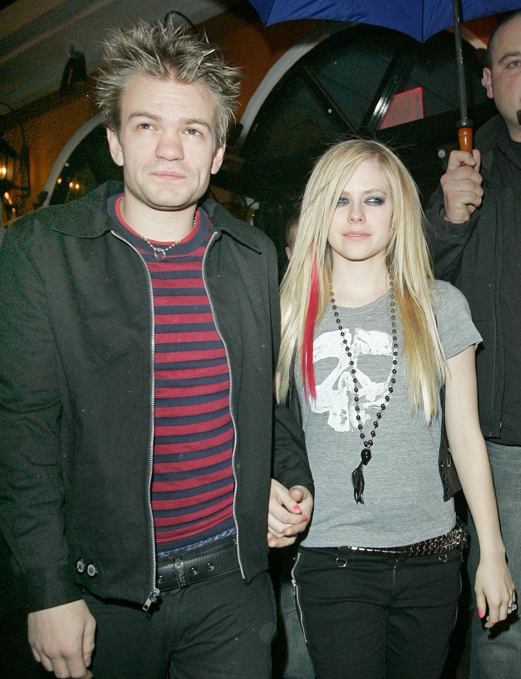 Sum 41 Frontman Says Avril Lavigne       's Stalker Sent Him Death Threats
