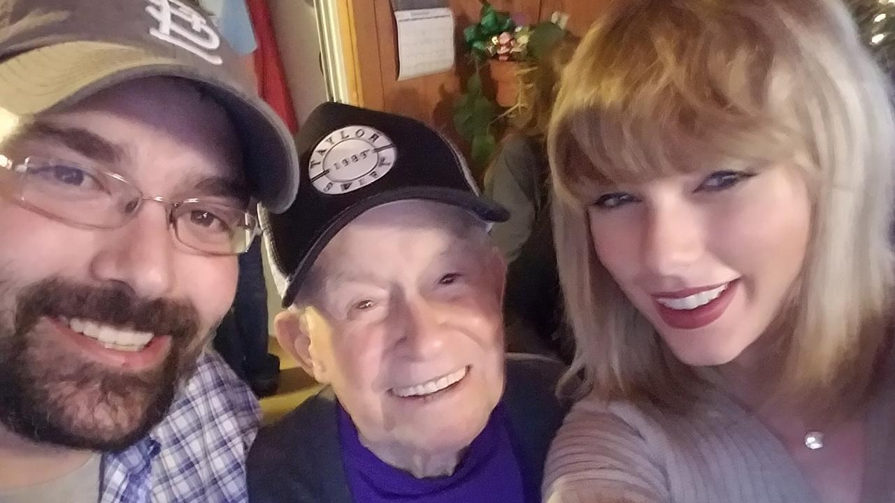 Taylor Swift Surprises World War II Veteran With a Live Performance at His Home!