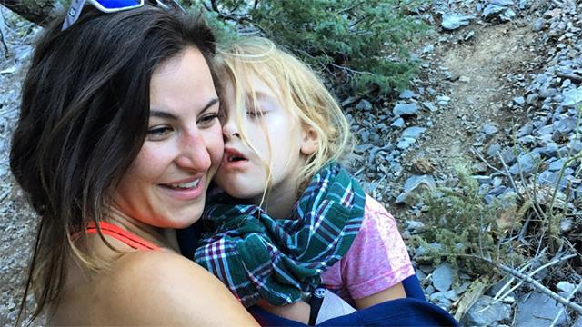Ufc Fighter Miesha Tate Carries Injured 6-Year-Old Girl Down A Mountain After Hiking Accident