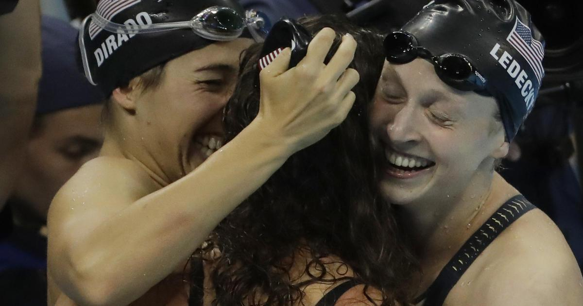 U.S. women's swimming takes gold in 4x200-meter relay at Rio Olympics