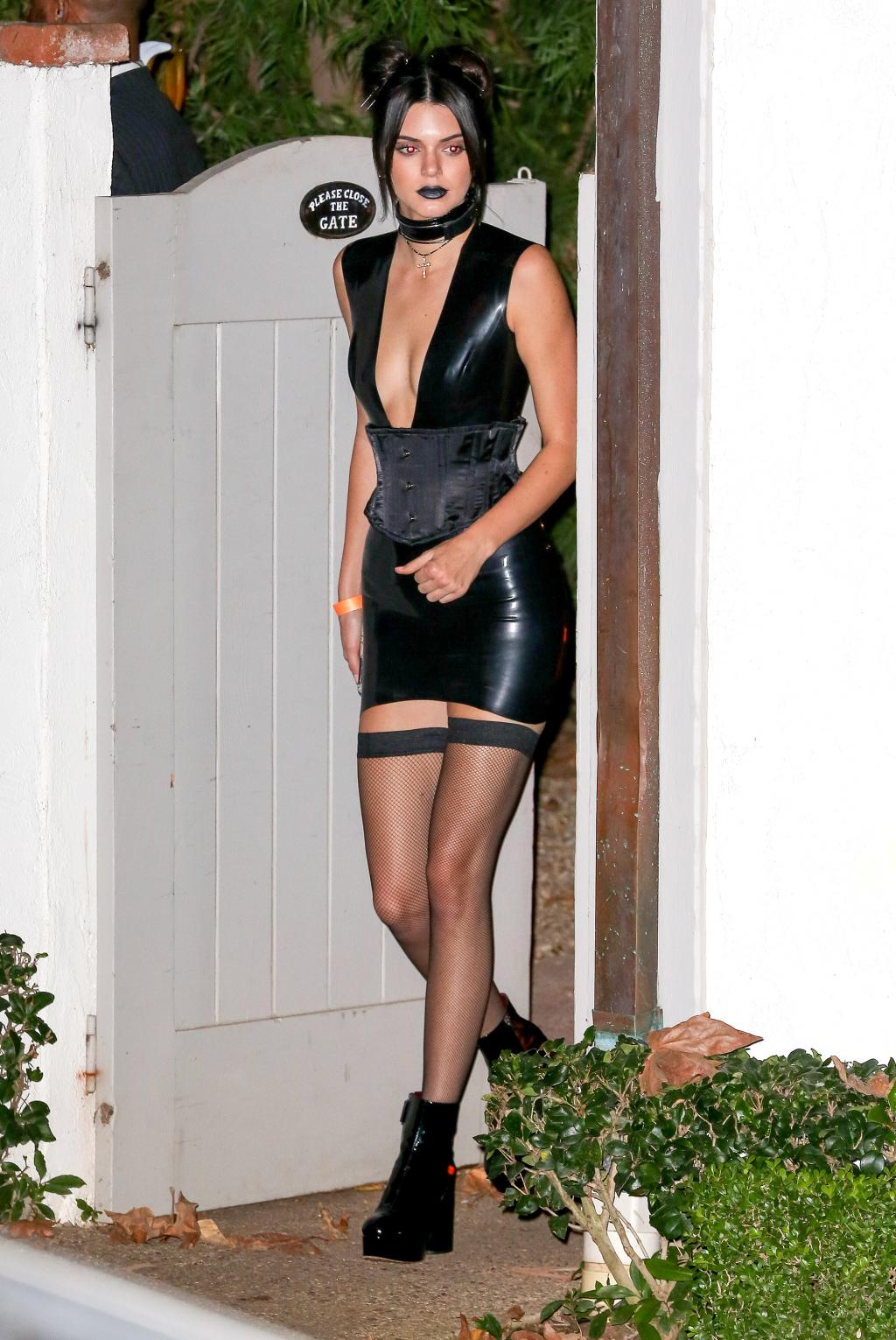 Vampire Chic! Kendall Jenner Goes Goth While Halloween Party-Hopping