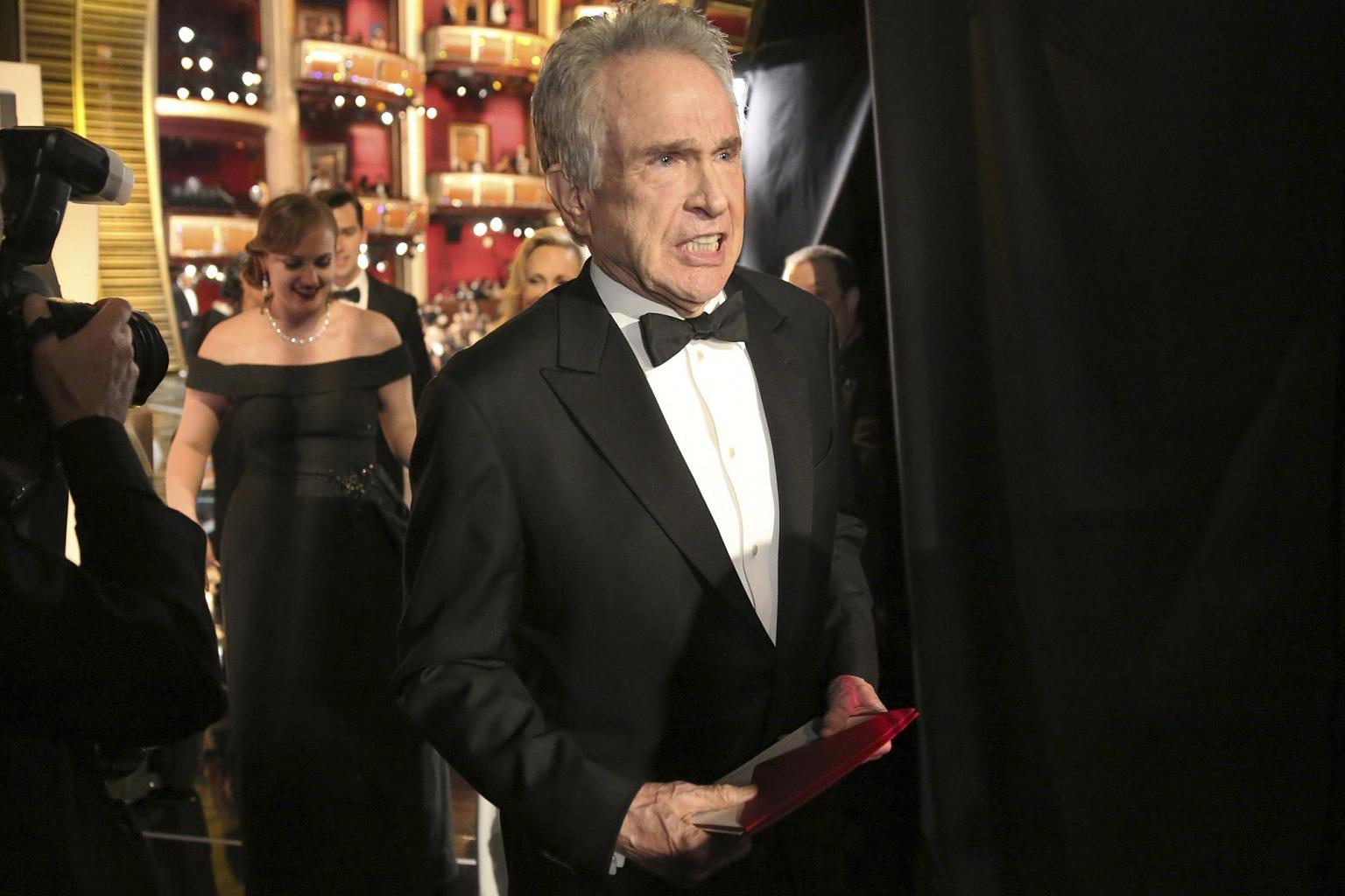 Warren Beatty Says   'I Don  't Know Anything '  About the Oscars '  Best Picture Fiasco