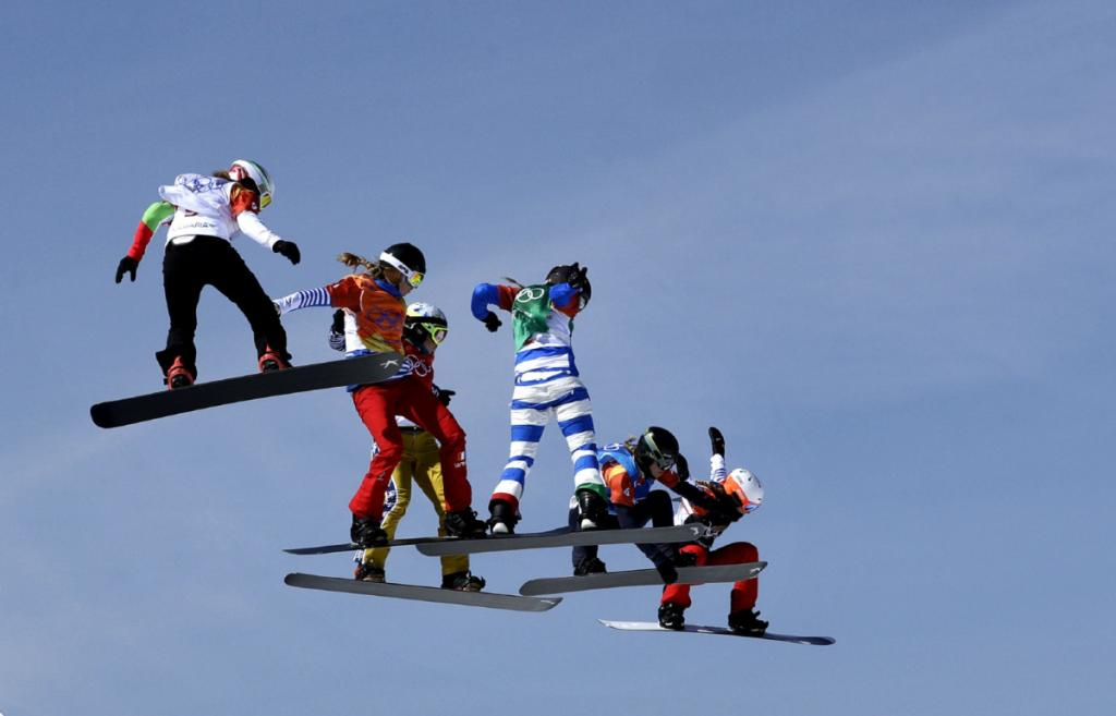 Italys Moioli wins snowboard cross leaving Jacobellis once again without Olympic gold Toronto Star