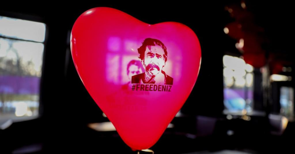 Die Welt reporter Deniz Yücel freed from Turkish prison