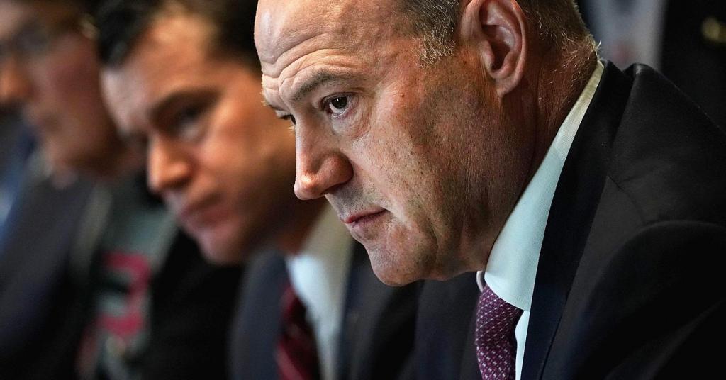 Gary Cohn resigns as Trumps top economic advisor