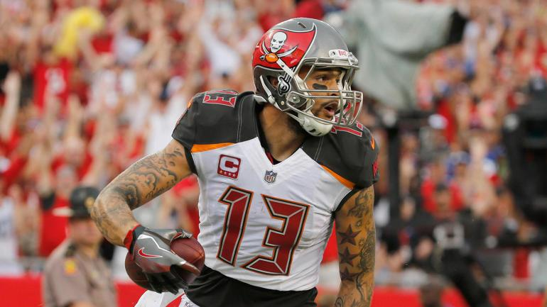 Buccaneers sign Mike Evans to one of history's biggest contracts for a receiver