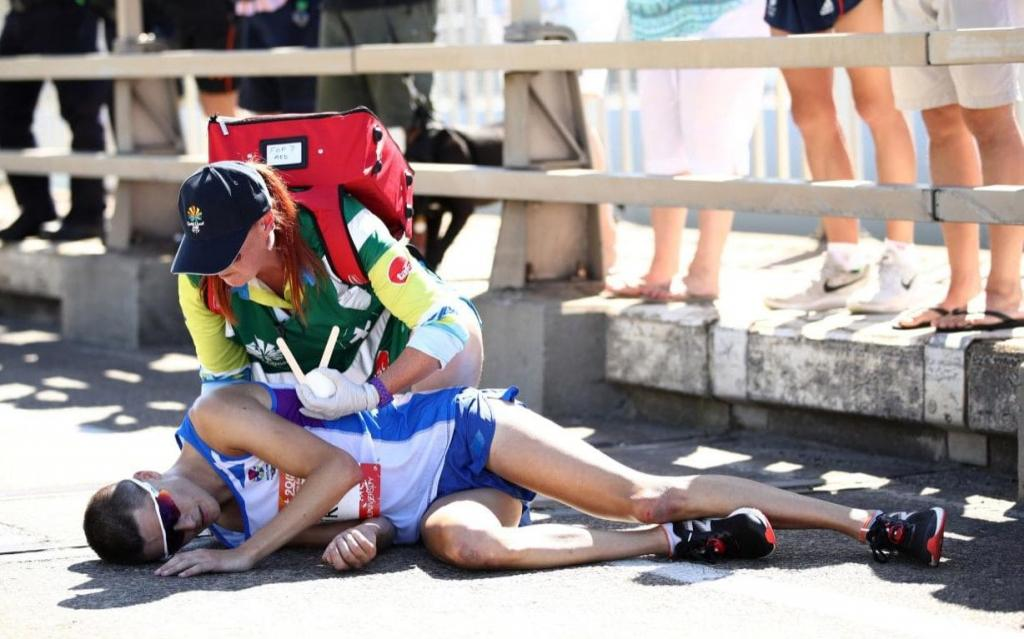 Commonwealth Games organisers criticised after slow response to Callum Hawkins collapse while leading marathon