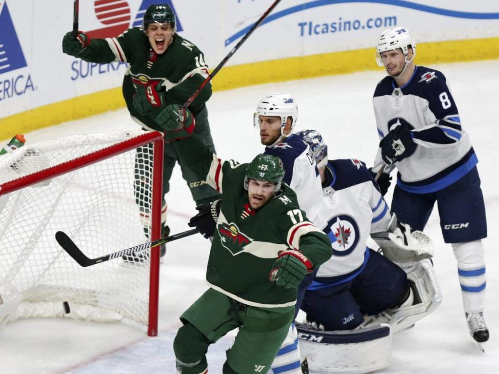 Jets suffer blowout loss to Wild in Game 3 but still lead series