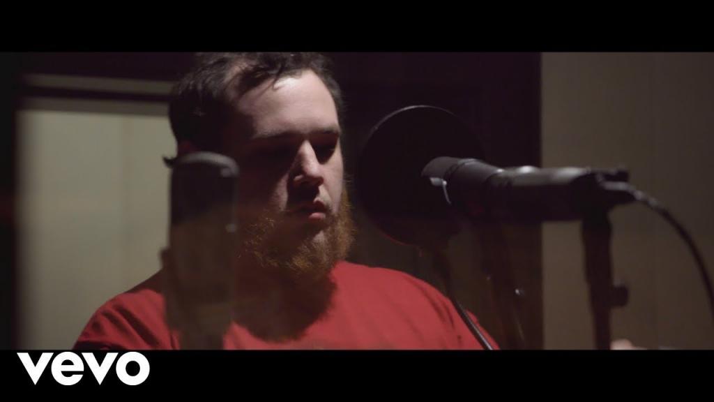 Video - Luke Combs Beautiful Crazy
