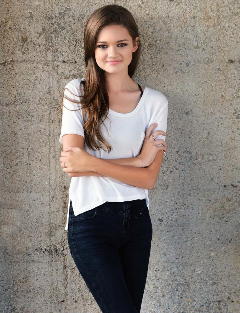 1000+ Images About Idee Per Ciara Bravo On Pinterest   Red Band