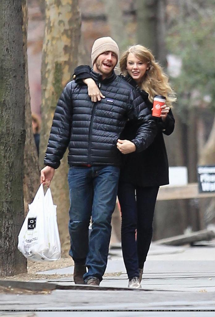 WEIRDLAND: Jake Gyllenhaal with Taylor Swift in Brooklyn - what does