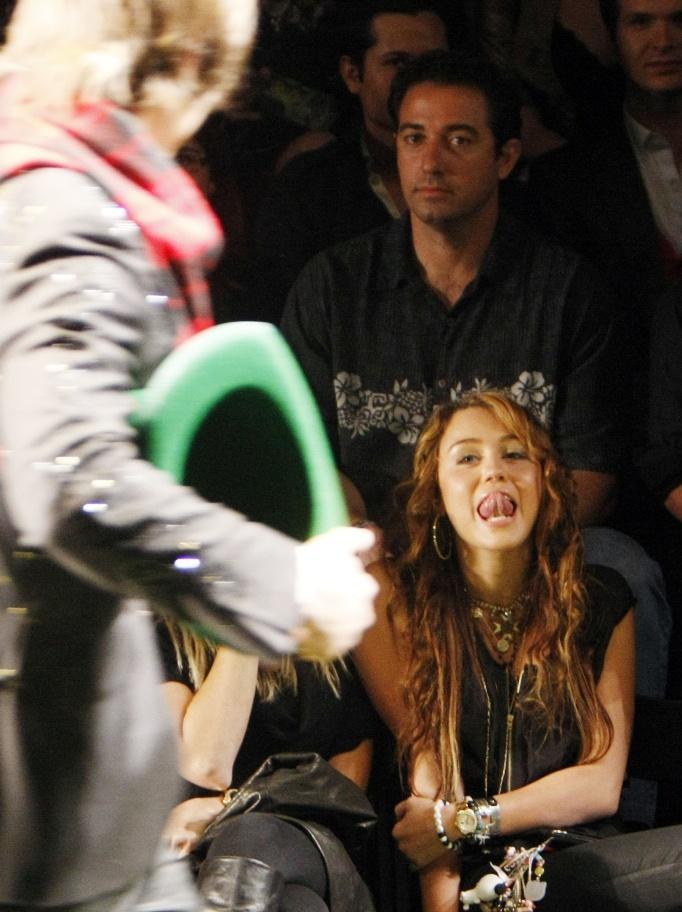Miley Cyrus MY BOYFRIEND Justin Gaston