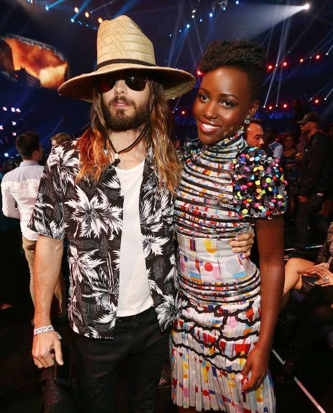 Jared Leto y Lupita Nyongo. GETTY