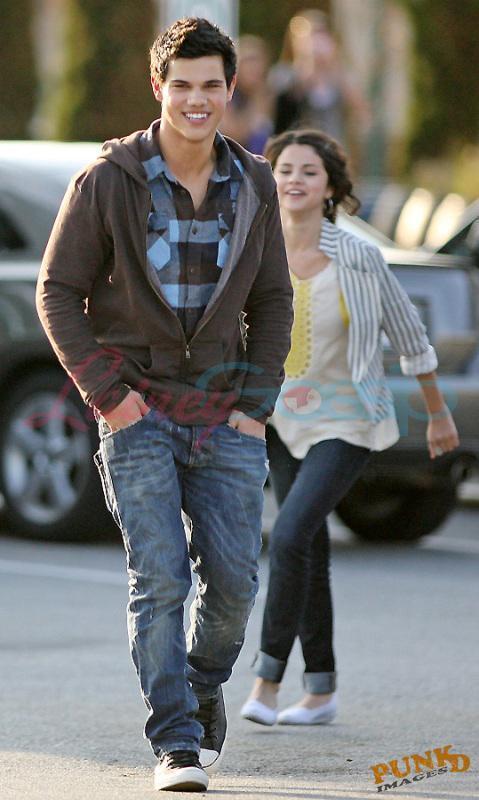 Taylor & Selena images Selena Gomez and Taylor Lautner wallpaper and