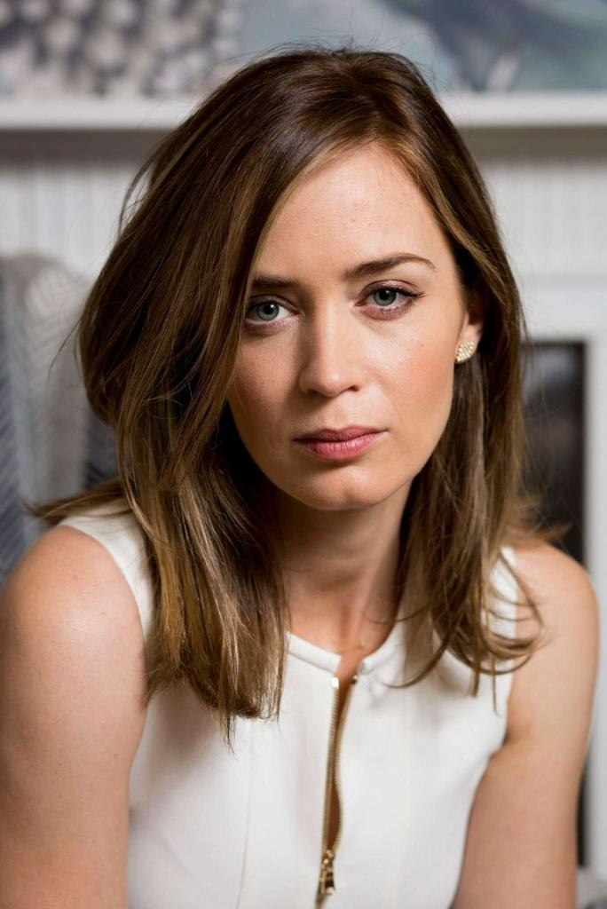 Emily Blunt photos images and HD wallpapers